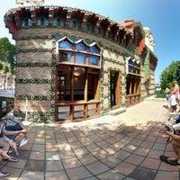 Foto tomada en El Capricho de Gaudí por Roberto B. el 8/18/2013