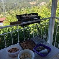 Photo taken at Hisar Ciftlik Evi by 🎼ALİ-DD🎸🎤 on 6/12/2016