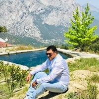 Photo taken at Hisar Ciftlik Evi by 🎼ALİ-DD🎸🎤 on 4/24/2018