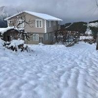 Photo taken at Hisar Ciftlik Evi by 🎼ALİ-DD🎸🎤 on 1/12/2017