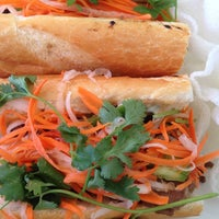 Foto scattata a Xoia Vietnamese Eats da Stuart H. il 7/22/2013