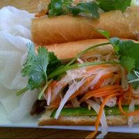Foto scattata a Xoia Vietnamese Eats da Stuart H. il 4/26/2013