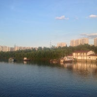 Снимок сделан в Братеевский каскадный парк пользователем Андрей Щ. 6/14/2013