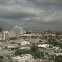 Снимок сделан в Hilton Garden Inn Austin Downtown/Convention Center пользователем Pete H. 10/20/2012