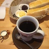 Photo taken at Komeda's Coffee by King K. on 6/4/2017