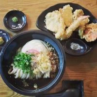Photo taken at 가미우동 (神うどん) by Yuuichi A. on 8/23/2015