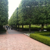Photo taken at Chicago Botanic Garden by Keisha W. on 5/26/2013