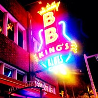 Photo taken at B.B. King's Blues Club by Aaron T. on 5/23/2013