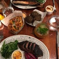 รูปภาพถ่ายที่ Quality Eats โดย Jane C. เมื่อ 8/25/2017