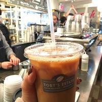 Foto tirada no(a) Toby's Estate Coffee por Angela W. em 12/1/2016