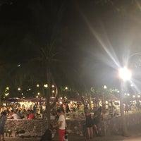 Photo taken at ท่ารถตู้มธ.รังสิต - อนุสาวรีย์ฯ/ฟิวเจอร์ฯ (TU-Future Park Rangsit/Victory Monument Van Stop) by Sun W. on 6/5/2017