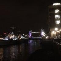 Photo taken at London Bridge City Pier by Sigrid V. on 11/1/2016
