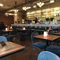 Снимок сделан в Cafe Select Eatery пользователем Dmytro K. 4/24/2018