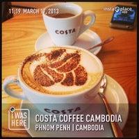 Photo taken at Costa Coffee by Peerasak C. on 3/17/2013
