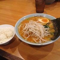 Photo taken at 横浜らーめん 六壱家 新小岩店 by Naoki Y. on 5/11/2014