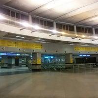 Photo taken at Rajiv Chowk | राजीव चौक Metro Station by Gagan M. on 1/23/2015