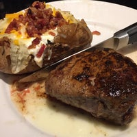 Photo taken at LongHorn Steakhouse by Jeff on 2/25/2016