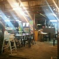 Photo taken at Rendangan Cherry Restoran by Syzwe W. on 10/12/2016