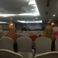Photo taken at Hotel Putra KL by Nur A. on 10/20/2016