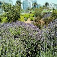 Das Foto wurde bei Parque Juan Pablo II von Giannina M. am 10/31/2012 aufgenommen