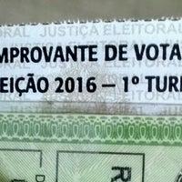 Photo taken at Zona Eleitoral 118 - Seção 0109 by Robe on 10/2/2016