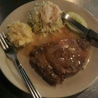 Photo taken at ตะบอ Steak Hut by siamkittie on 8/8/2017
