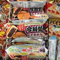 Photo taken at マルマンストア 参宮橋店 by kau n. on 10/30/2015