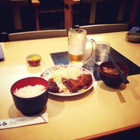 Photo taken at にいむら 大久保店 しゃぶしゃぶ とんかつ by kau n. on 7/23/2013