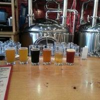 รูปภาพถ่ายที่ DryHop Brewers โดย Ben S. เมื่อ 6/22/2013