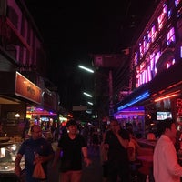 Photo taken at Soi Cowboy by On1000highlow ヒ. on 4/30/2017