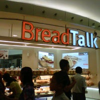 Photo taken at BreadTalk by Ferdi S. on 12/25/2012