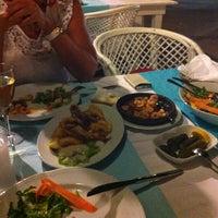 8/14/2013 tarihinde Selendiz G.ziyaretçi tarafından Yengeç Restaurant & Otel'de çekilen fotoğraf