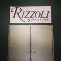 Foto diambil di Rizzoli Bookstore oleh Noah F. pada 6/8/2014