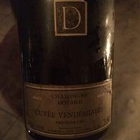 Foto tirada no(a) Air's Champagne Parlor por Dorina Y. em 7/7/2018
