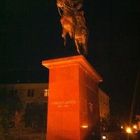 10/9/2012 tarihinde Nokkie G.ziyaretçi tarafından Görgey Artúr Szobra'de çekilen fotoğraf