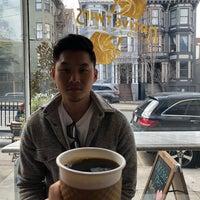 Foto tomada en Native Twins Coffee por Jeanne A. el 4/15/2018