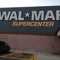 Foto tomada en Walmart por Alvaro L. el 10/25/2012