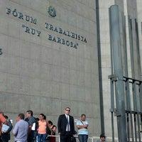 Photo taken at Fórum Trabalhista Ruy Barbosa by Roberto L. on 4/4/2013