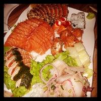 Foto tirada no(a) Hashi Sushi Bar por Laércio G. em 7/29/2013