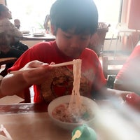 Photo taken at Ikan Bakar Cianjur by Ery W. on 1/28/2017