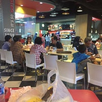 Photo taken at KFC by Ery W. on 4/22/2017