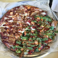 Photo taken at Pieology Pizzeria by Monique D. on 5/1/2016