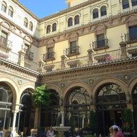 Foto tomada en Hotel Alfonso XIII por mlc.a m. el 6/3/2013