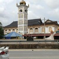 Photo taken at Masjid hiliran by IbnMulk on 2/18/2013