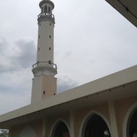 Photo taken at Masjid Al-Hidayah by IbnMulk on 10/18/2012