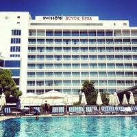 7/14/2013 tarihinde Eray I.ziyaretçi tarafından Swiss Otel Havuz'de çekilen fotoğraf