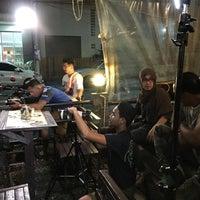 Photo taken at Pakalooza Cafe' by Moji on 5/12/2017