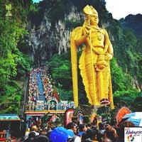 Photo taken at Sri Subramaniar Temple Batu Caves by Moji on 1/22/2013