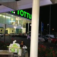 Снимок сделан в Tottus пользователем Rodrigo R. 2/25/2013
