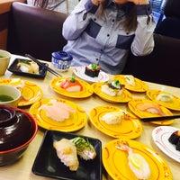Foto tomada en スシロー 瀬田店 por R el 4/5/2016